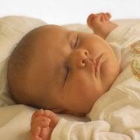 Кога можете да оставите бебето си да спи само