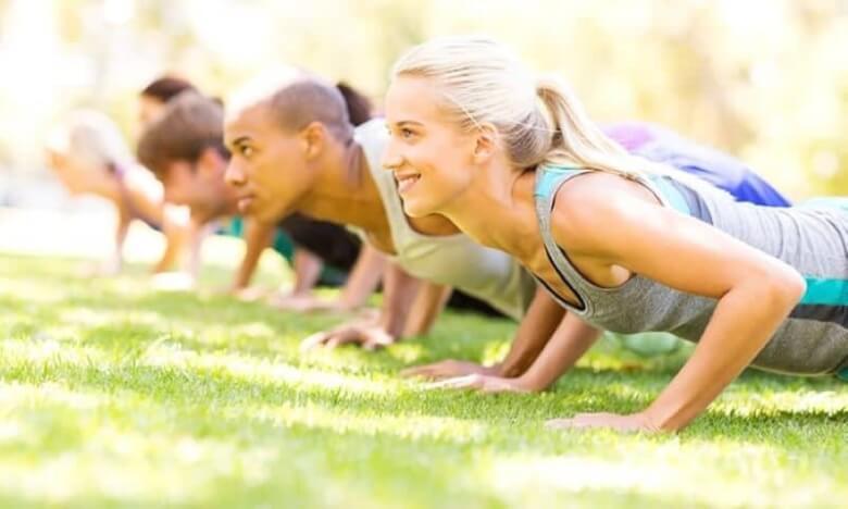 Отслабване и йога – ръка за ръка